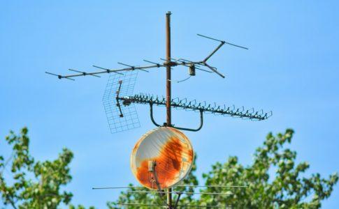 古いテレビアンテナ