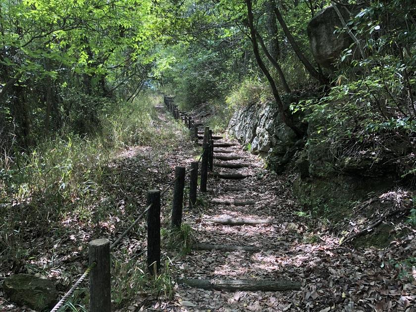広峰山の山道