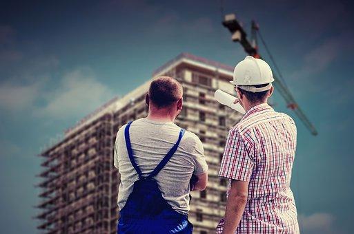 建設現場の男性