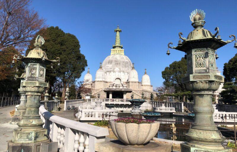 名古山の仏舎利塔