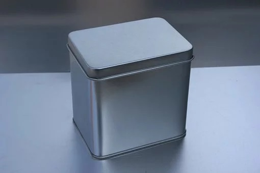 ブリキの箱