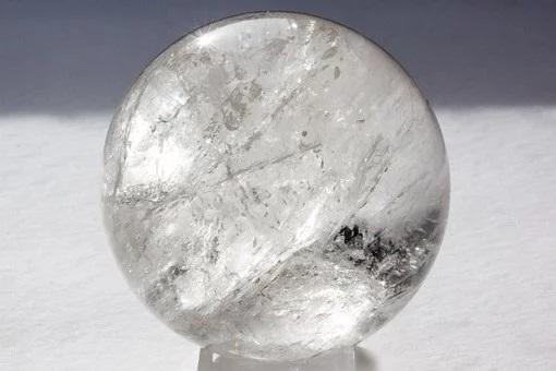 丸い水晶玉