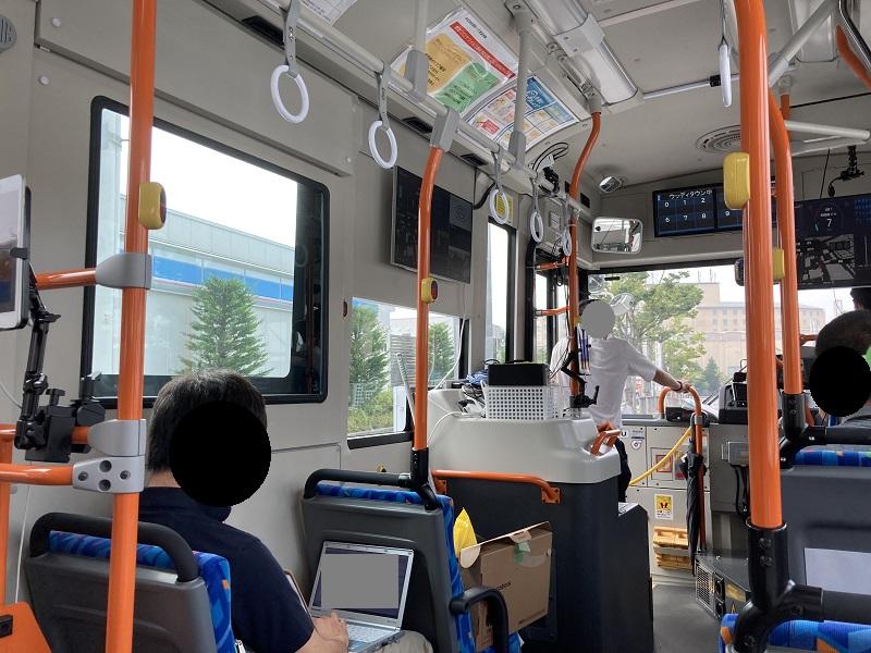 自動運転バスの実証実験