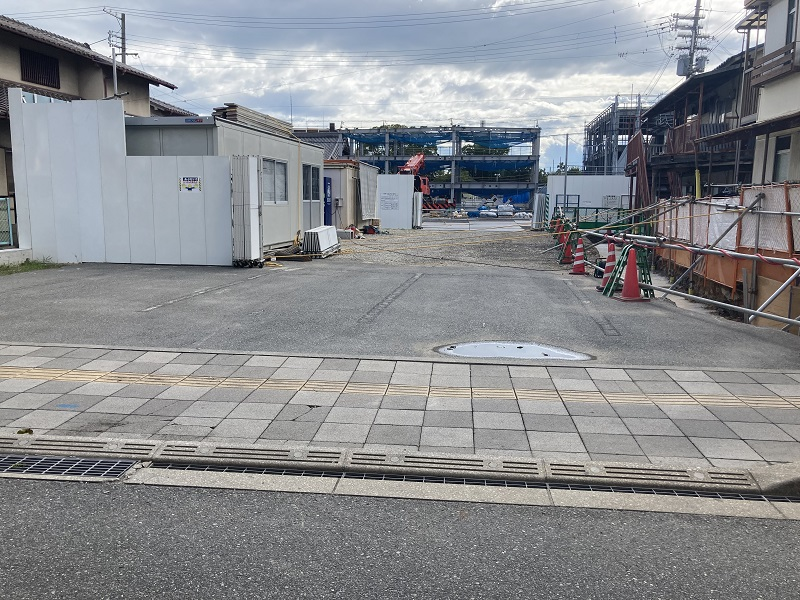 神戸物産本社の入口付近