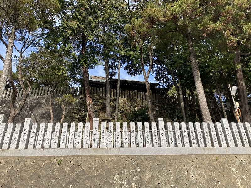 高岳神社の拝殿