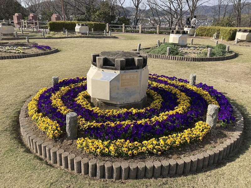 男山配水池公園の花壇
