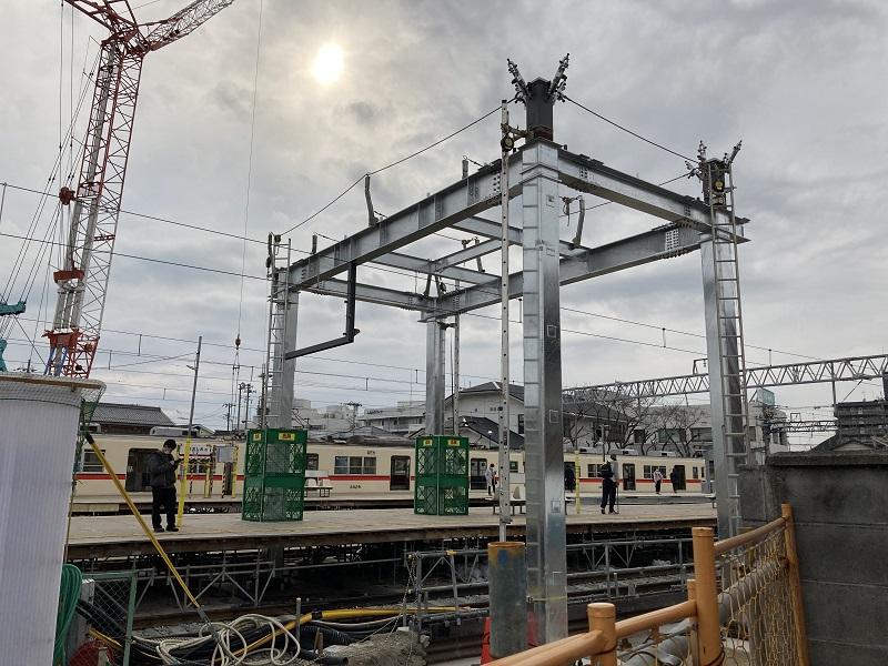 橋上駅舎の工事の様子