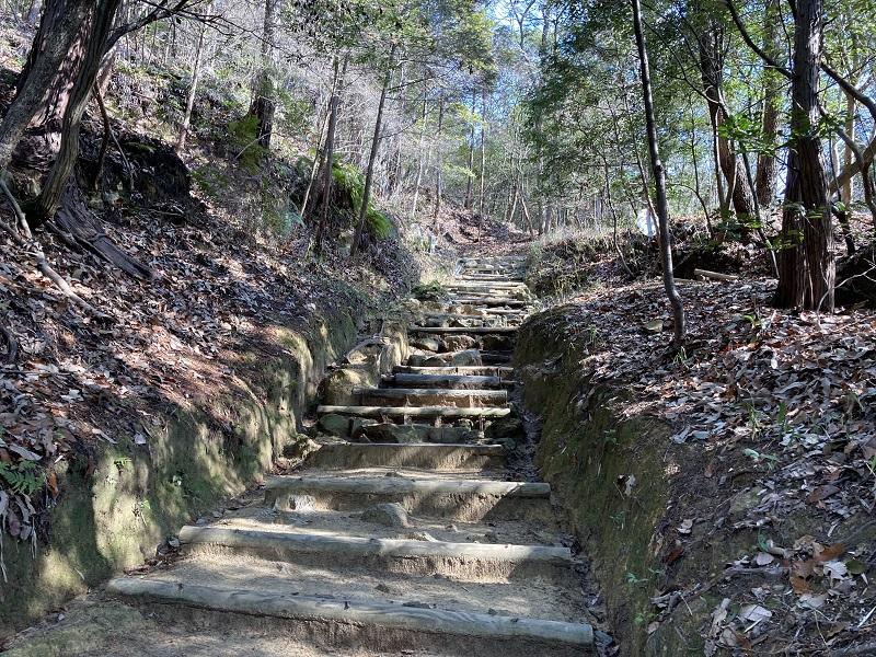 書写山の登山道