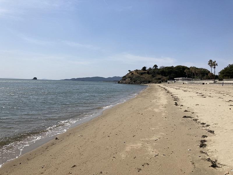 唐船山と砂浜